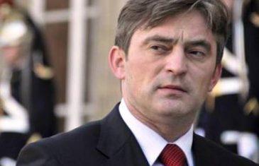 HRVATSKA NA NOGAMA: Građani prijavili ilegalni ulazak u Hrvatsku najozloglašenijeg migranta, Željka Komšića!