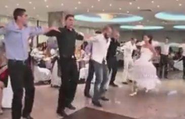 Momci su igrali kolo na svadbi, a onda je …(VIDEO)
