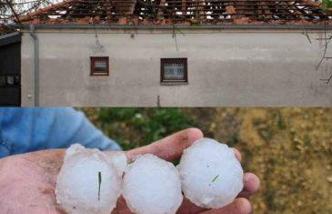 POGLEDAJTE ŠTA JE GRAD URADIO U OVOM SELU: Padao veličine jajeta, uništeni krovovi, A EVO ŠTA JE NAJAVLJENO ZA SUTRA