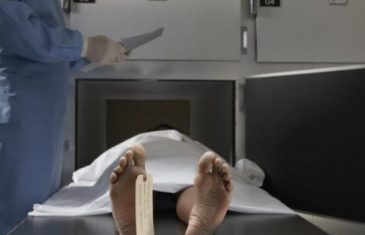 Na bijelom čaršafu piše – korona! Kada patolozi otvore tijelo, često otkriju isto… Od čega umiru zaraženi Covidom-19?