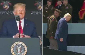 ŠTA SE DOGAĐA S AMERIČKIM PREDSJEDNIKOM: Trump je teško hodao i govorio a čašu je držao s obje ruke!