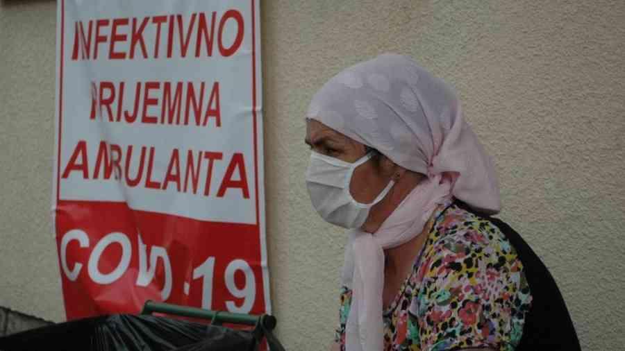 POLA CRNE GORE IDE 'POD KLJUČ': Uvodi se policijski sat u pet gradova; U Hrvatskoj danas 1096 novozaraženih i 10 preminulih
