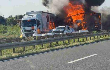 Krš i lom na A3, u strašnom sudaru dva kamiona i tri auta jedna osoba poginula, izbio i požar…