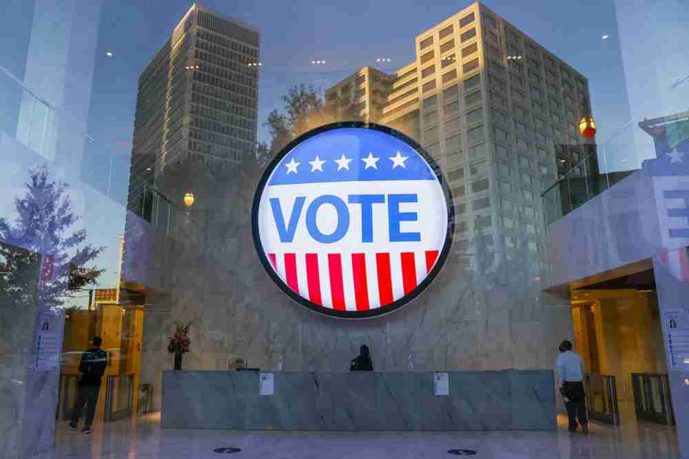 LUDILO AMERIČKIH IZBORA: Pored prvog čovjeka države, evo za šta su sve juče glasali građani SAD-a…